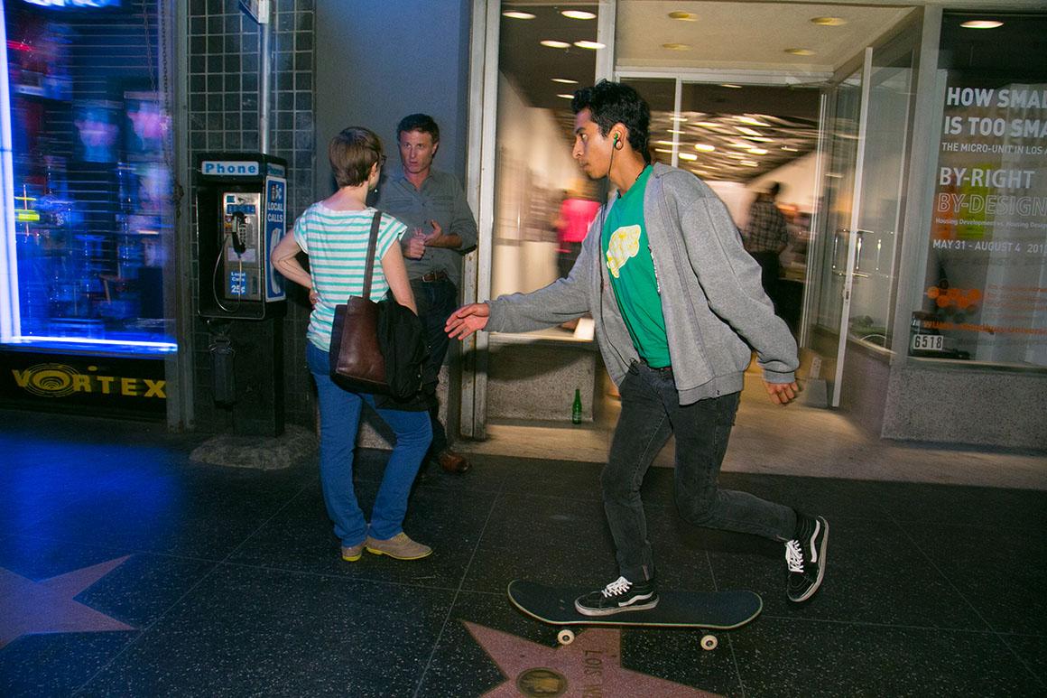 Skateboarder Web